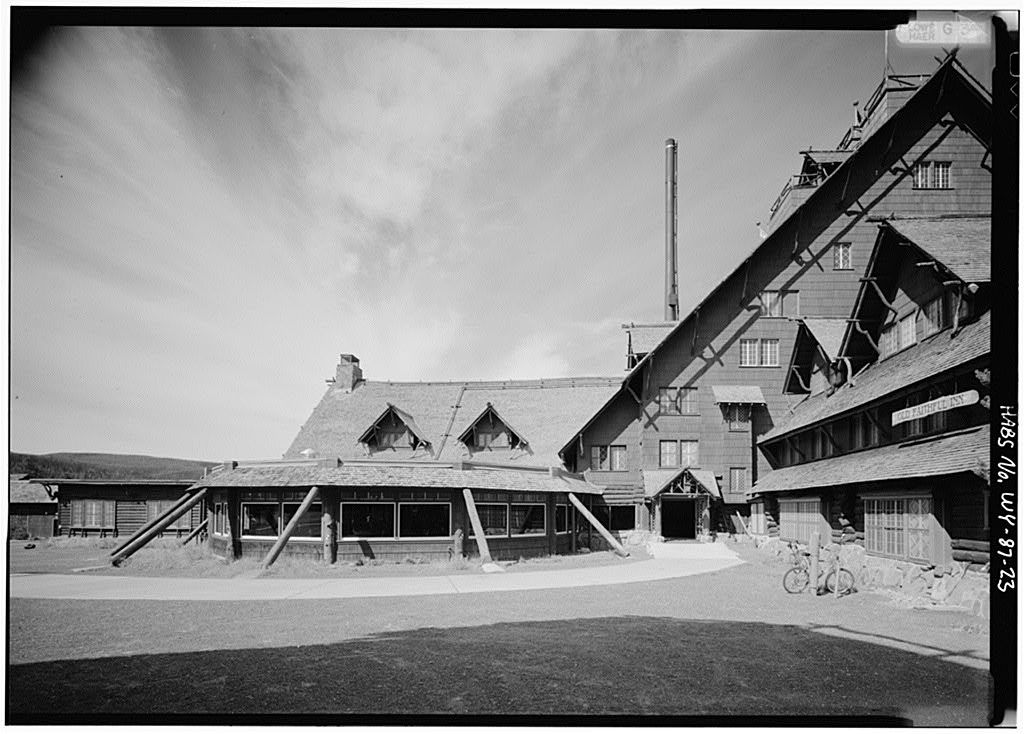Exterior view of Yellowstone's Old Faithful Inn.