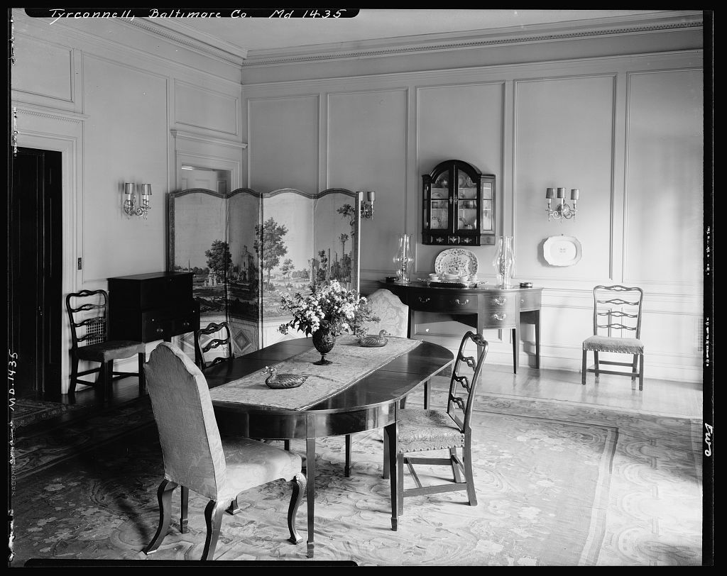 High ceilinged dining room of Baltimore's Tyrconnell House