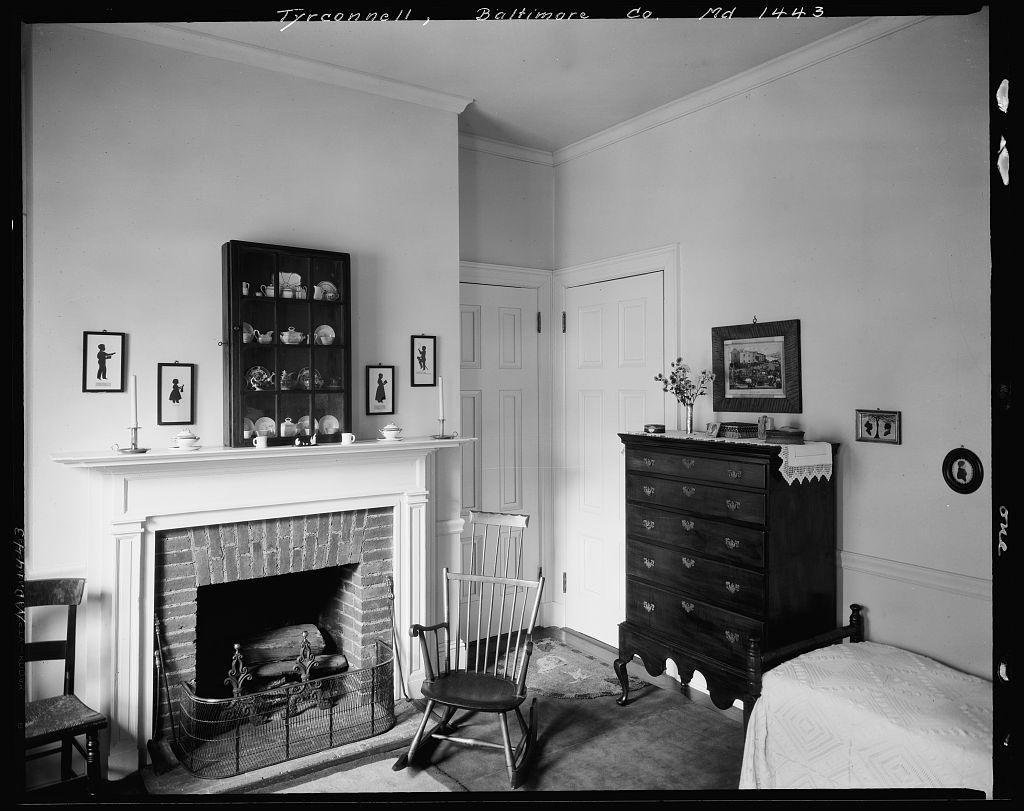 Bedroom interior of Baltimore's Tyrconnell House.